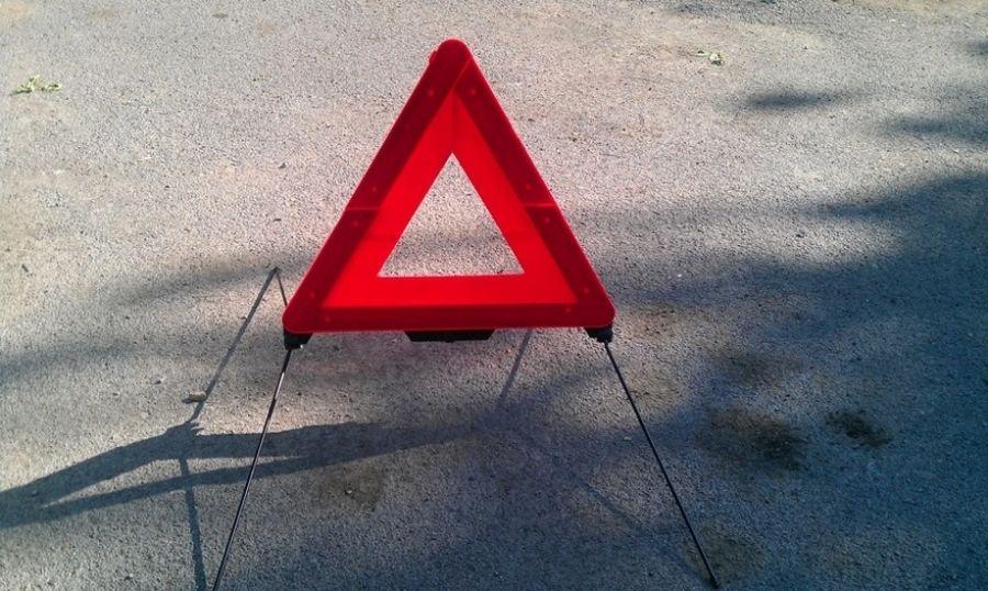 ВСаткинском районе шофёр автомобиля умер после столкновения страктором