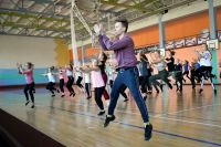 Артисты Челябинского театра современного танца учили саткинцев свободе движения