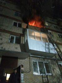 В начавшемся с дивана пожаре в Сатке выгорела вся квартира