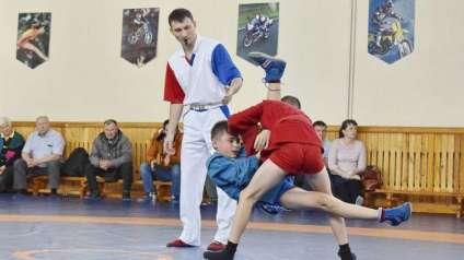 В Сатке состоялся третий турнир по борьбе самбо памяти Вадима Колованова