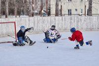 Фотофакт: Юные хоккеисты Межевого тренируются каждый день